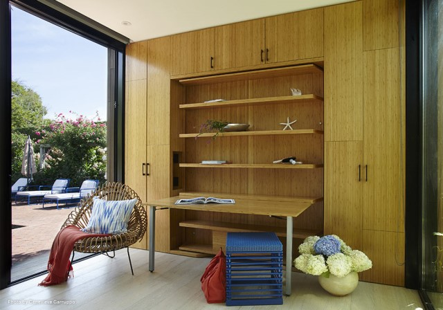 Modern home simple shapes Decorated with wood (7)