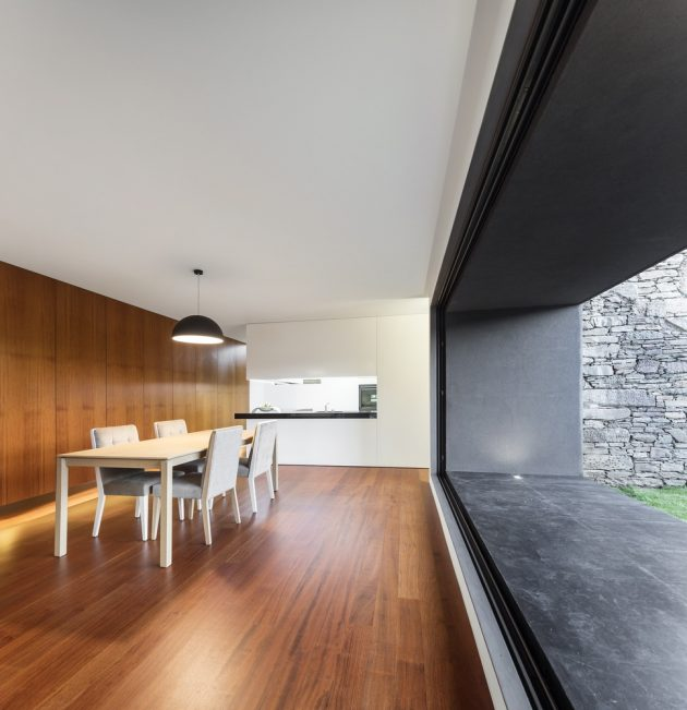 Modern house box in shape with minimalist interiors (7)