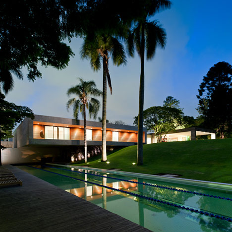 Villa house cement wood glass with swimming pool (16)