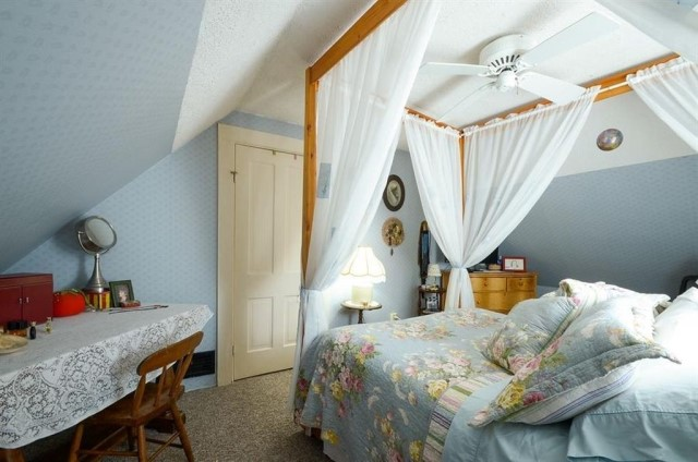 cottage wooden house Wood interior (2)