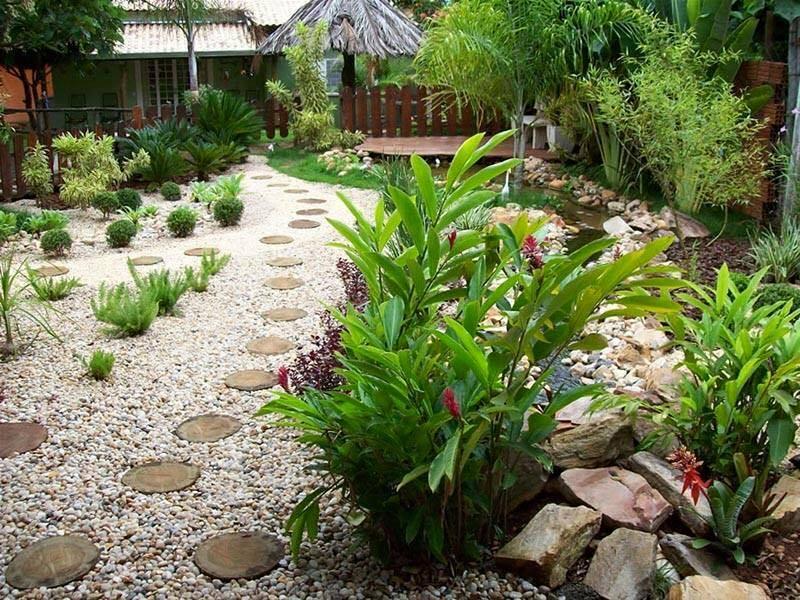 garden in fence ideas (49)