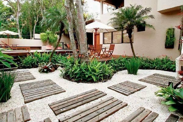 garden in fence ideas (76)
