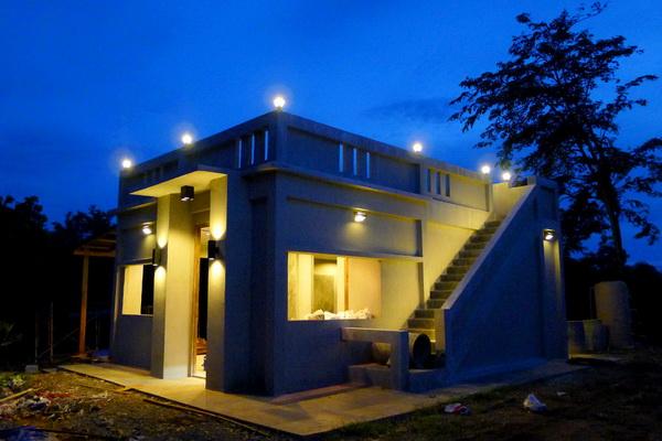 small modern loft concrete house review (1)