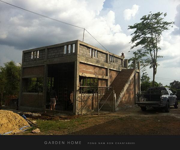 small modern loft concrete house review (16)