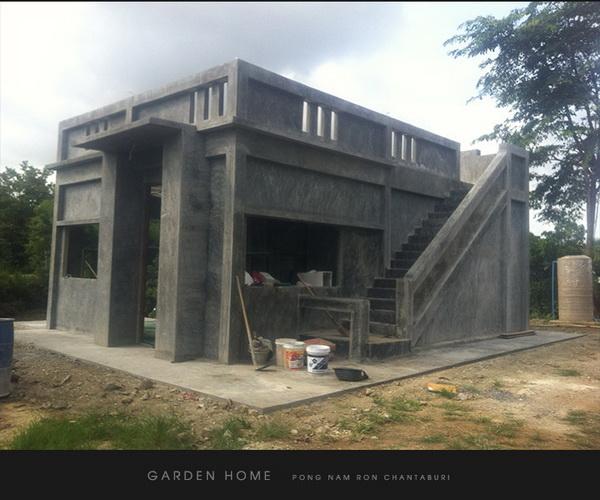 small modern loft concrete house review (34)