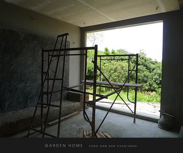 small modern loft concrete house review (41)