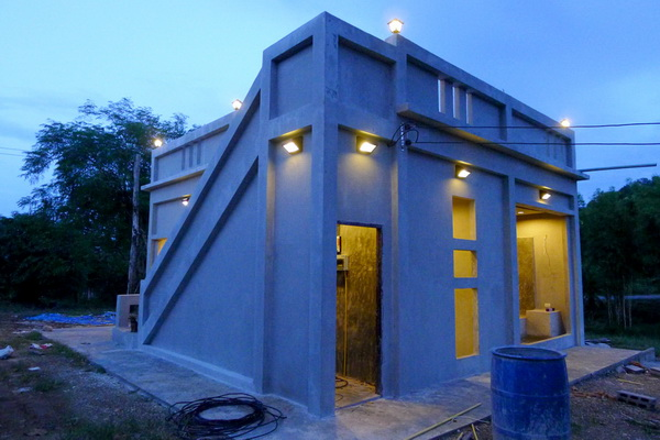small modern loft concrete house review (58)