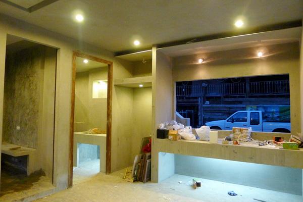 small modern loft concrete house review (61)