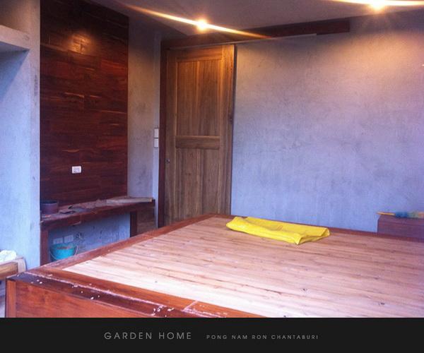 small modern loft concrete house review (75)