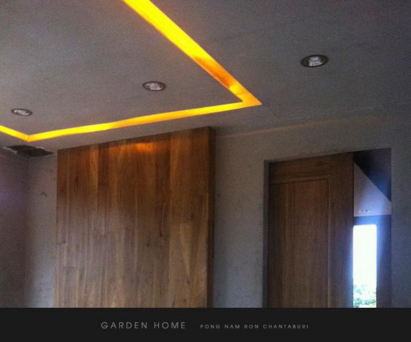 small modern loft concrete house review (76)