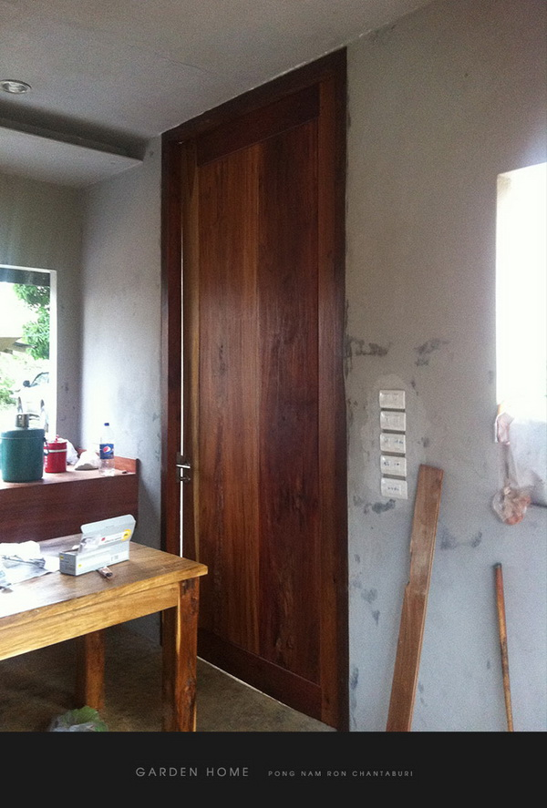 small modern loft concrete house review (83)