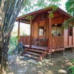 บ้านไม้ขนาดเล็ก ออกแบบสำหรับพักผ่อน เรียบง่ายและโปร่งโล่ง เข้ากับบรรยากาศชนบท