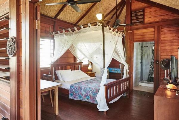 small wooden cozy retreat (2)