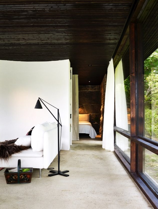 tiny Modern villa house steel design Decorated with wood and glass (15)