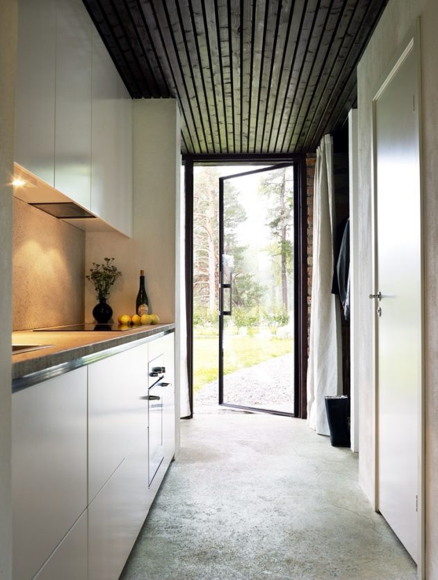 tiny Modern villa house steel design Decorated with wood and glass (19)