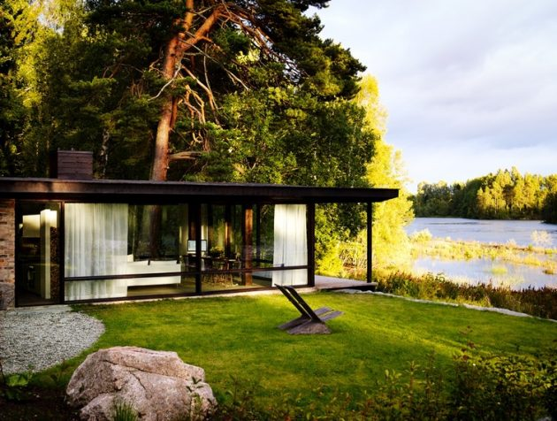 tiny Modern villa house steel design Decorated with wood and glass (20)