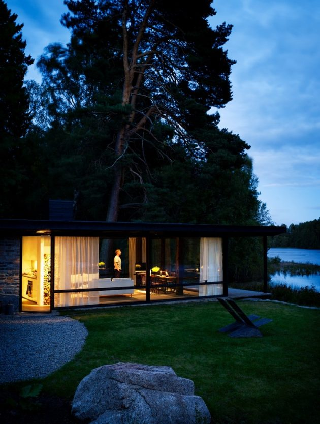 tiny Modern villa house steel design Decorated with wood and glass (5)