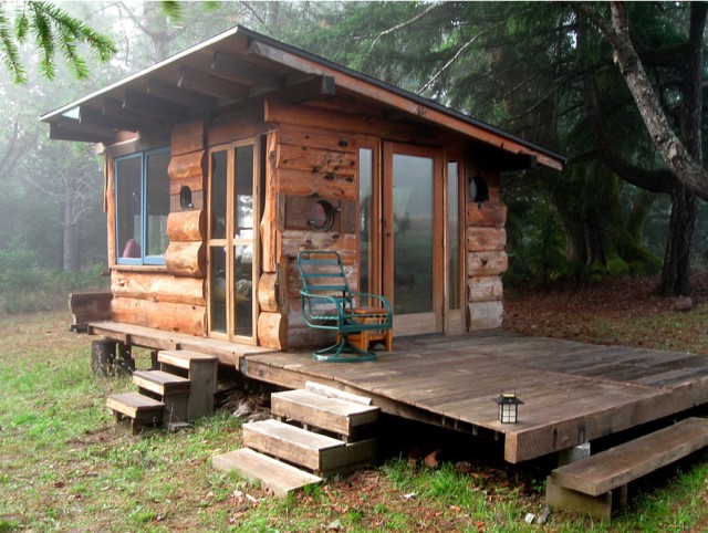 wodden cottage garden tiny house (2)