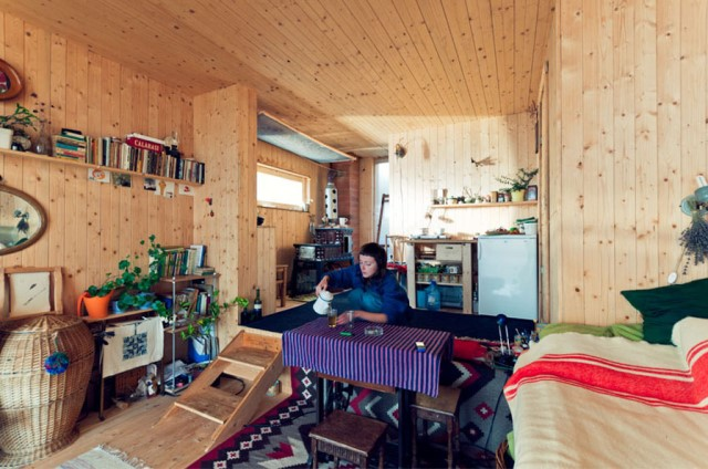 wooden cabin house on the hills (3)