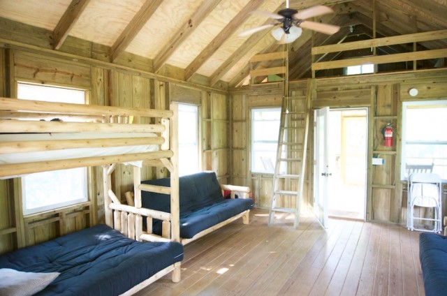wooden cottages house on stilts 1 bathroom (4)
