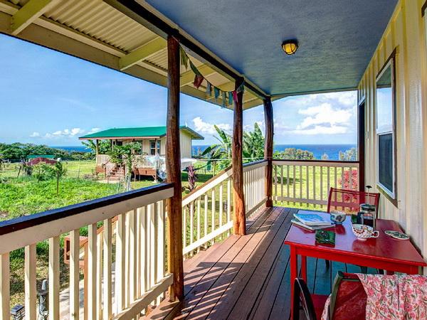1-storey-floor-raised-wooden-bungalow-house-2