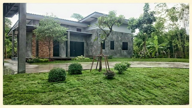 1 storey loft house with beautiful garden (16)