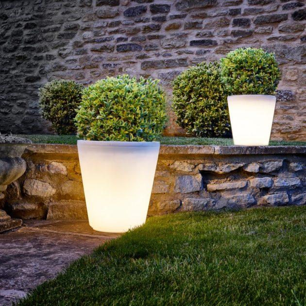 15-astonishing-illuminated-planter-designs (13)