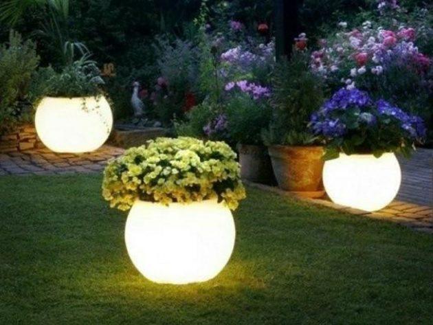 15-astonishing-illuminated-planter-designs (14)