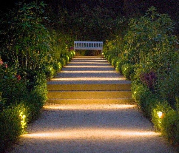 15-astonishing-illuminated-planter-designs (21)