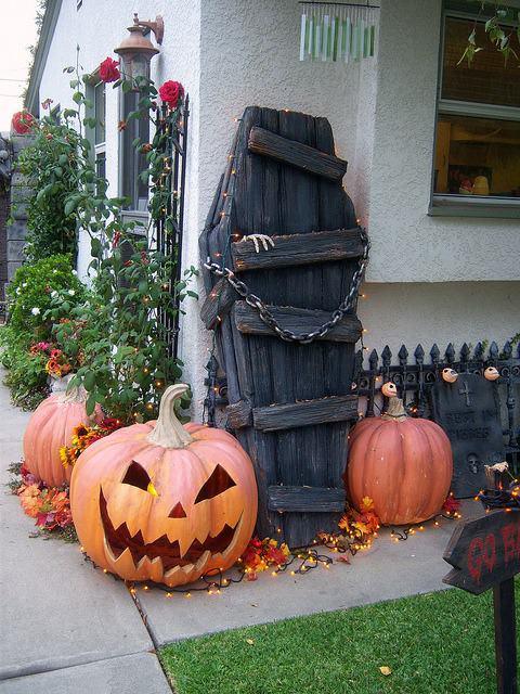18-idea-diy-wooden-halloween-theme (8)