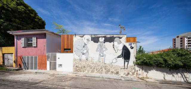 2-storey-modern-house-with-cement-and-paintings-wall-9