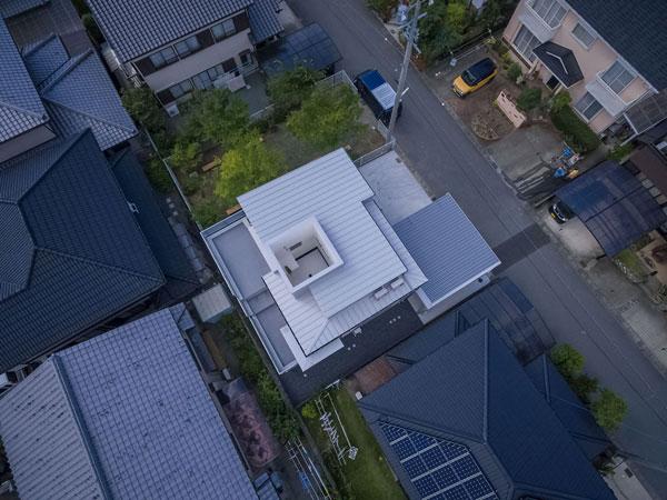 2 storey house by masaki yoneda (3)