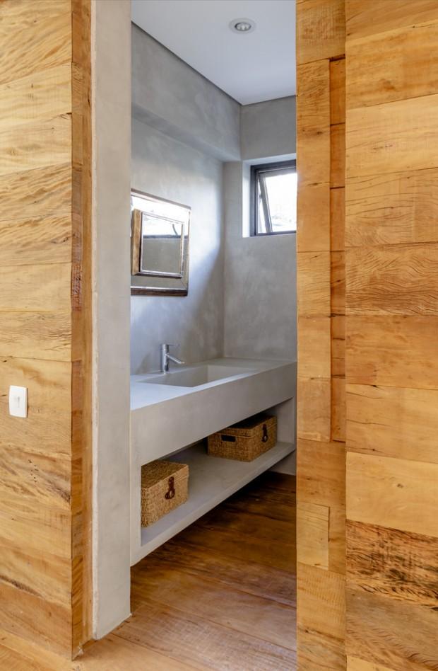 2-storey-mixed-material-garden-house-18