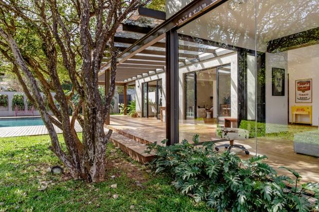 2-storey-mixed-material-garden-house-4