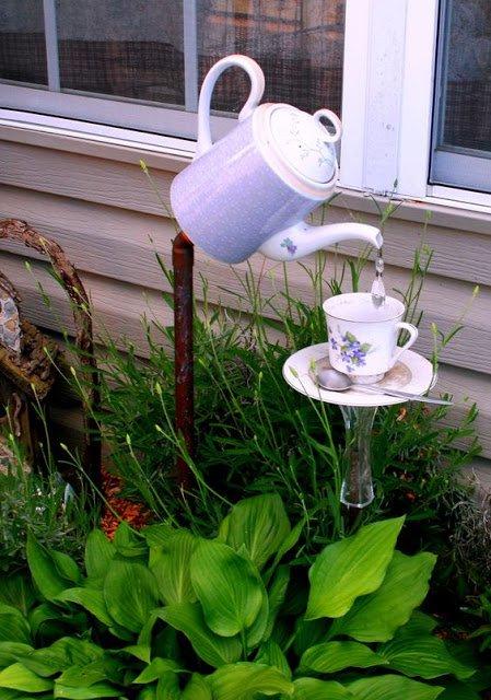 22-diy-ideas-old-teapot-to-flowerpot-1