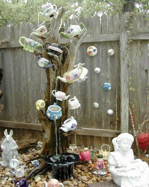 22-diy-ideas-old-teapot-to-flowerpot-16