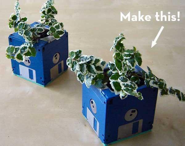 22-diy-ideas-old-teapot-to-flowerpot-4