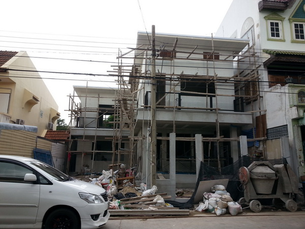 240 sqm L shaped house review (11)