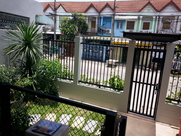 240 sqm L shaped house review (41)