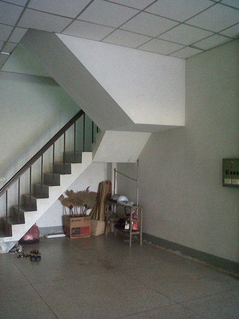 3-storey-townhouse-renovate-into-cute-bakery-house-2