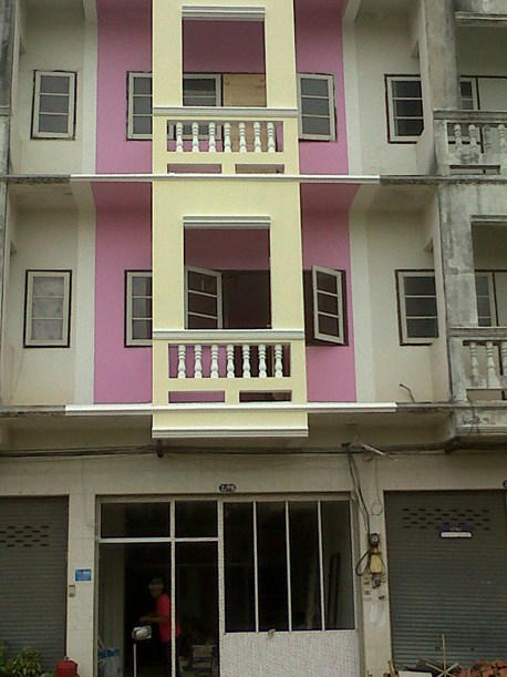 3-storey-townhouse-renovate-into-cute-bakery-house-22