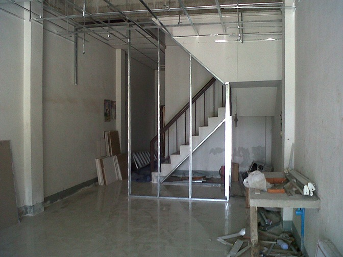 3-storey-townhouse-renovate-into-cute-bakery-house-4