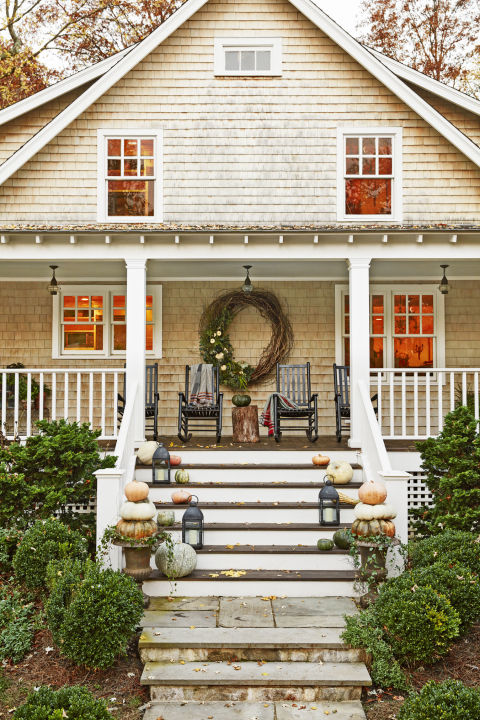 32-cozy-porch-decoration-ideas-for-autumn-2