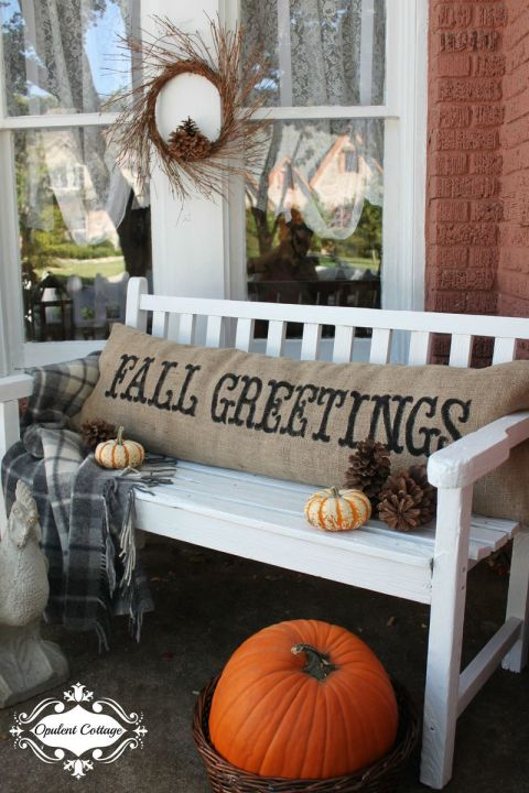 32-cozy-porch-decoration-ideas-for-autumn-23