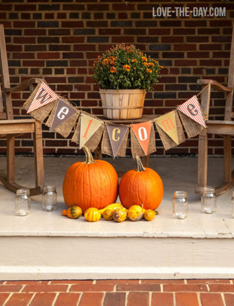 32-cozy-porch-decoration-ideas-for-autumn-26