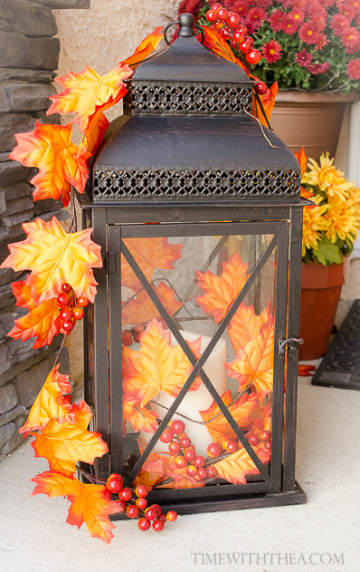 32-cozy-porch-decoration-ideas-for-autumn-27