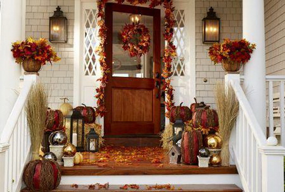 32-cozy-porch-decoration-ideas-for-autumn-55