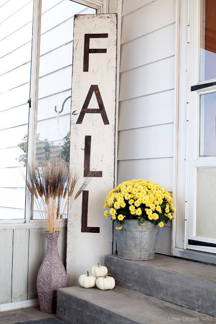 32-cozy-porch-decoration-ideas-for-autumn-6