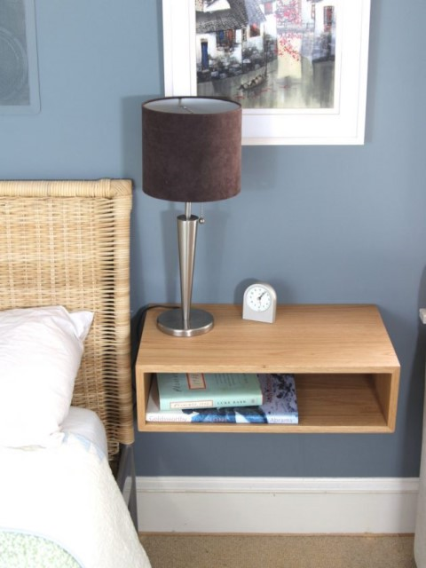 36-ideas-for-small-space-bedside-table-10