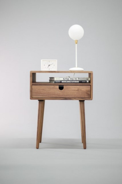 36-ideas-for-small-space-bedside-table-11